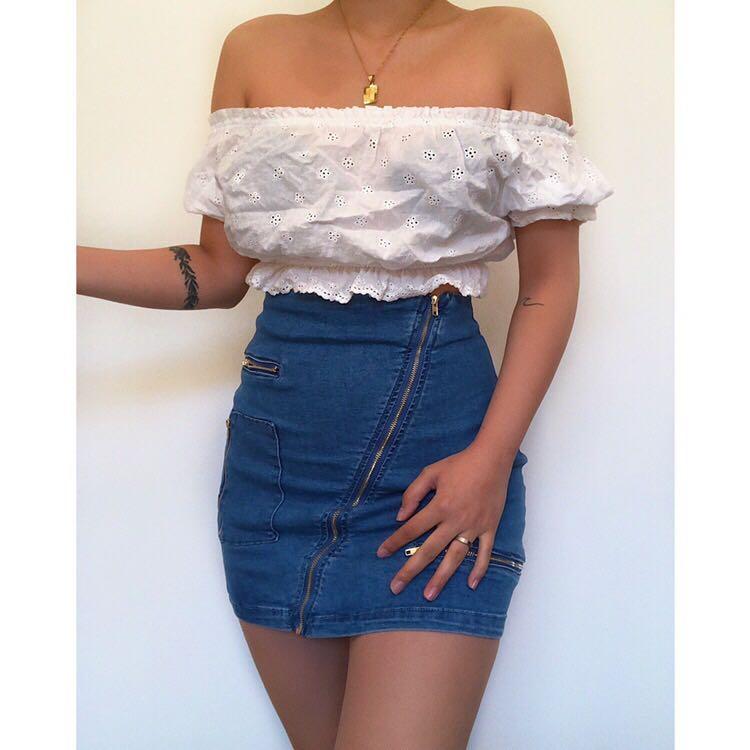 Open Shoulder Cropped Top   Perfect for summer 💕  Brand : Don't Ask Amanda   Size : xs - fits AU 6-8  Good condition