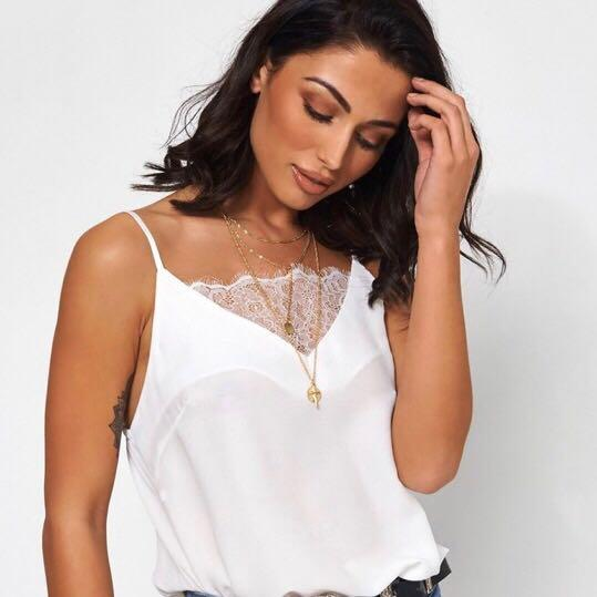 White Laced Point Cami   NEW WITH A TAG   AU SIZE 8 (can easily fit size 6)   #lacedcami #cami #whitecami
