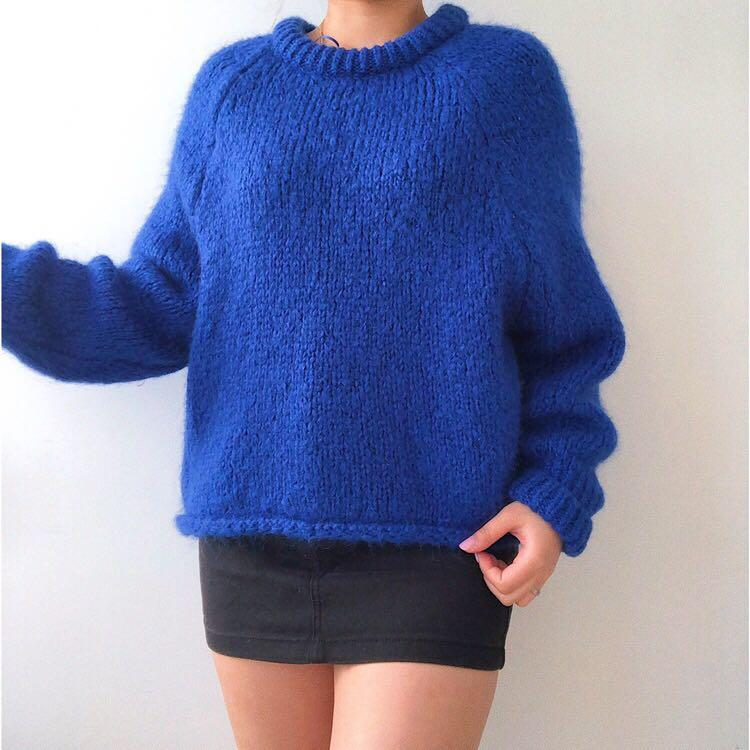 Zara Blue Boxy Knit   Au SIZE 8   Fits AU 6-10   Stretchy and comfortable   This knit is in a perfect condition x