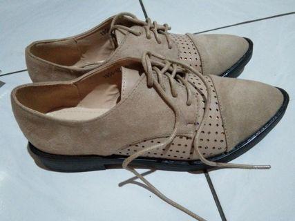 Semi boots shoes