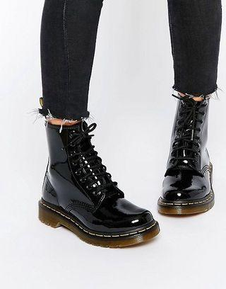 PRICE DROP!!!!! SIZE 6 US Doc Martens Patent Leather Boots!! 8 Eye