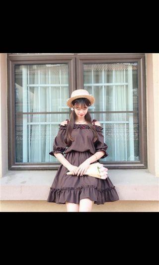 (日系!)蝴蝶結綁帶露肩一字領棕色洋裝/二手,僅穿過兩三次/free size