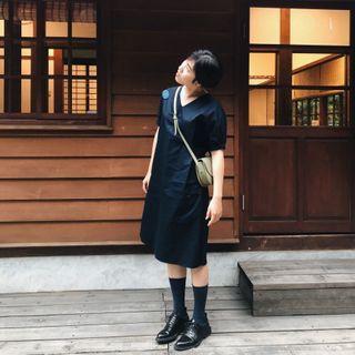 無印風V領縮口袖純棉開衩洋裝
