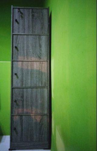 Lemari kabinet 5 pintu lemari hias simple