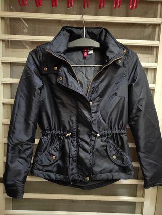 H & M 女防風保暖外套