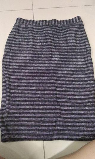 Pull & bear pencil skirt