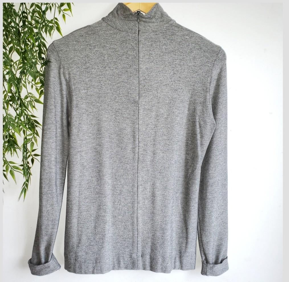 Akris Punto   Metal Sequins Classic Turtleneck Grey Sweater Size Small.
