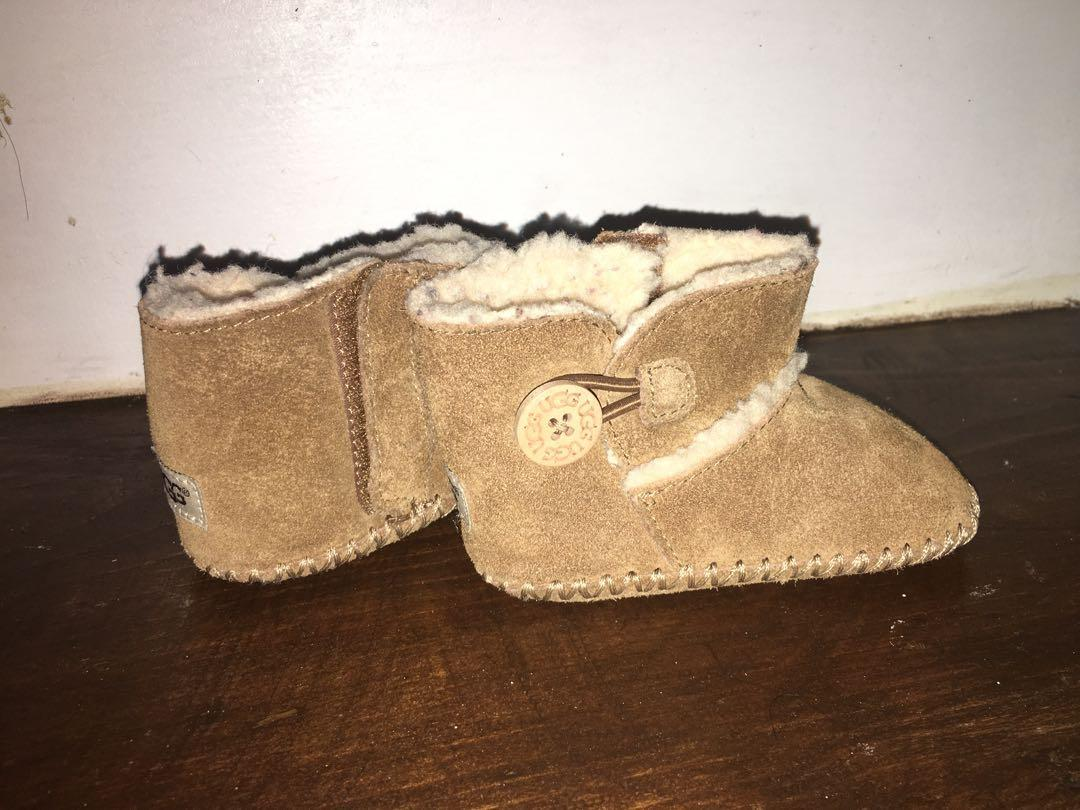 Brand new Ugg Lemmy II button booties girls sz 2/3