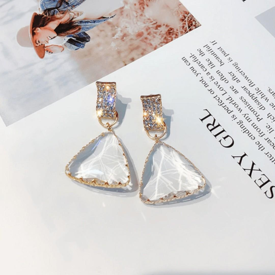 Clear Crystals Drop Earrings | Brand New Ready Stocks | SALE