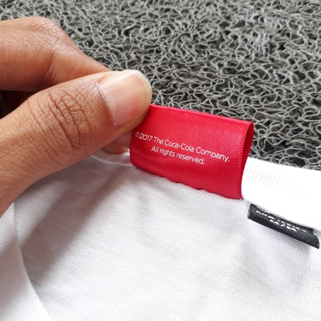 L Kaos Cotton On x Cocacola