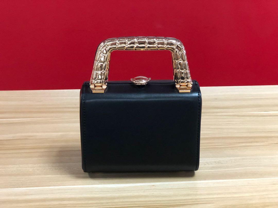 Naomi Yeo's Box