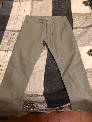 CK灰色褲