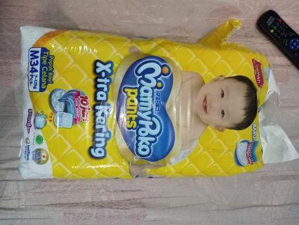 Pampers/ pempers/diapers
