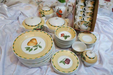 Somerset Churchill Dinner Set for 10