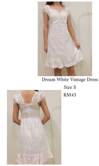 Dream white vintage dress