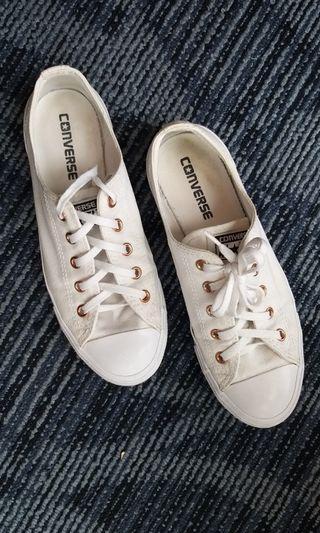 Sepatu Converse (original/authentic)