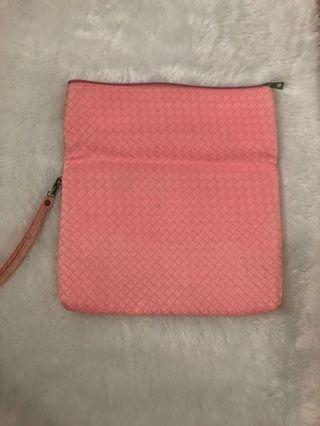 Dompet Pouch Rajut Pink