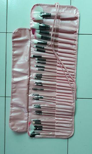 Makeup Brush Set isi 30