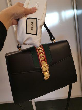 Preloved authentic Gucci sylvie medium top handle bag