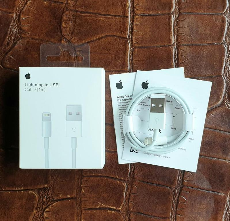 GREAT OFFER!! Authentic Official Apple Lightning to USB Cable 1m in Retail Box