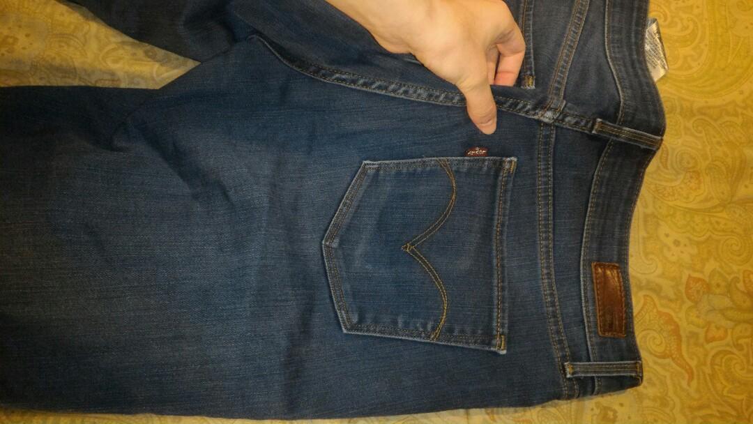 Mid rise LEVI Jeans size 29