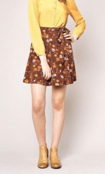 Princess highway heather burgundy floral skirt size 6 BNWT RRP$68