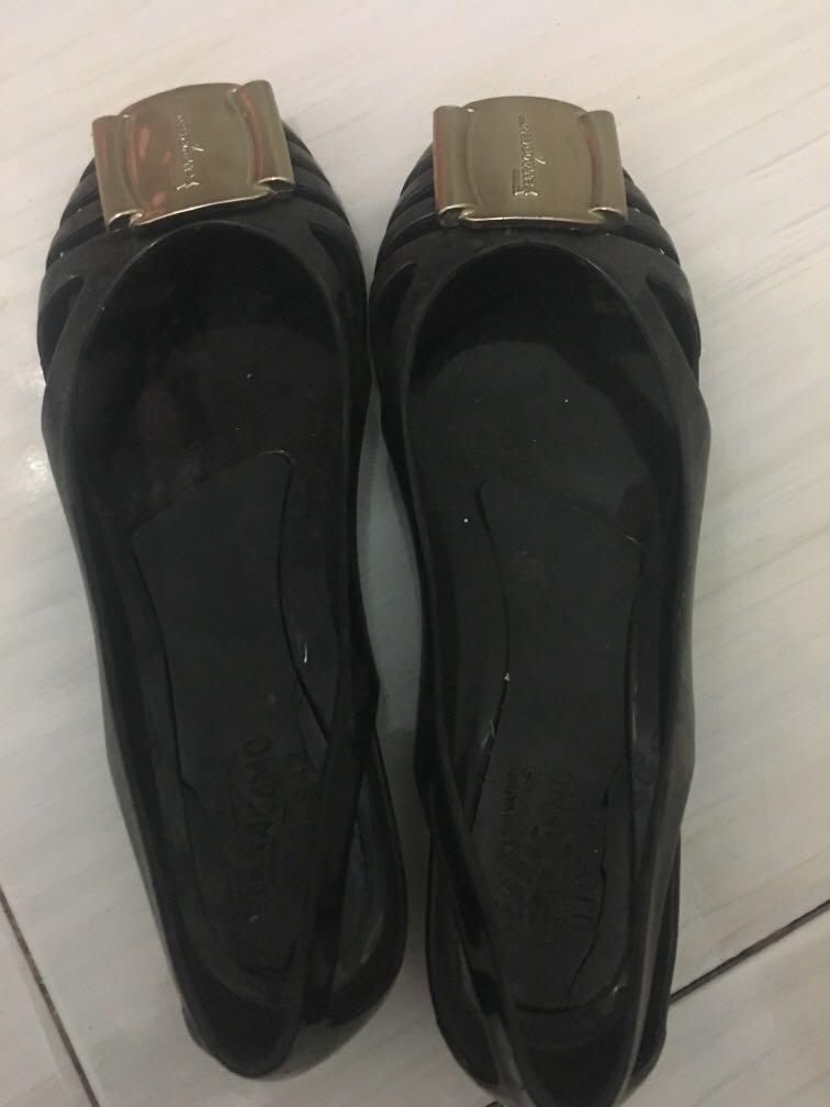 Sepatu ferragamo KW
