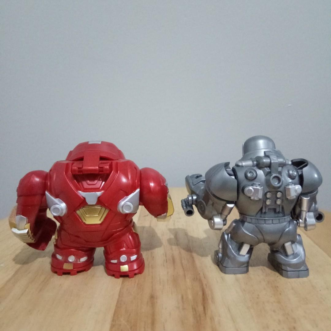 (Set) Hulk Buster and Iron Monger Minifig
