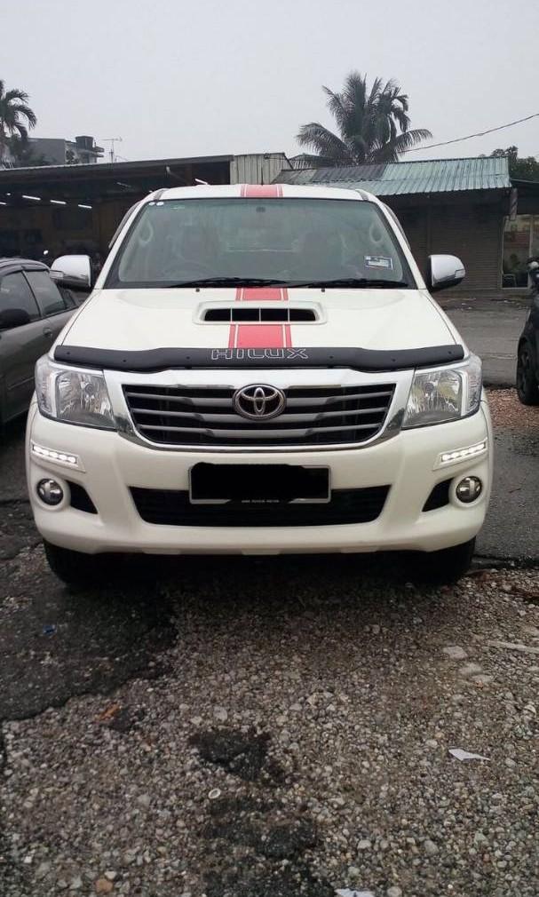 Toyota Hilux VNT 2.5 (A) 4x4 pickup truck Kereta Sewa Selangor KL