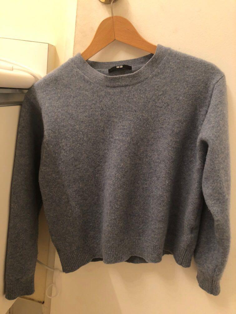Uniqlo light blue lambs wool crew neck sweater womens
