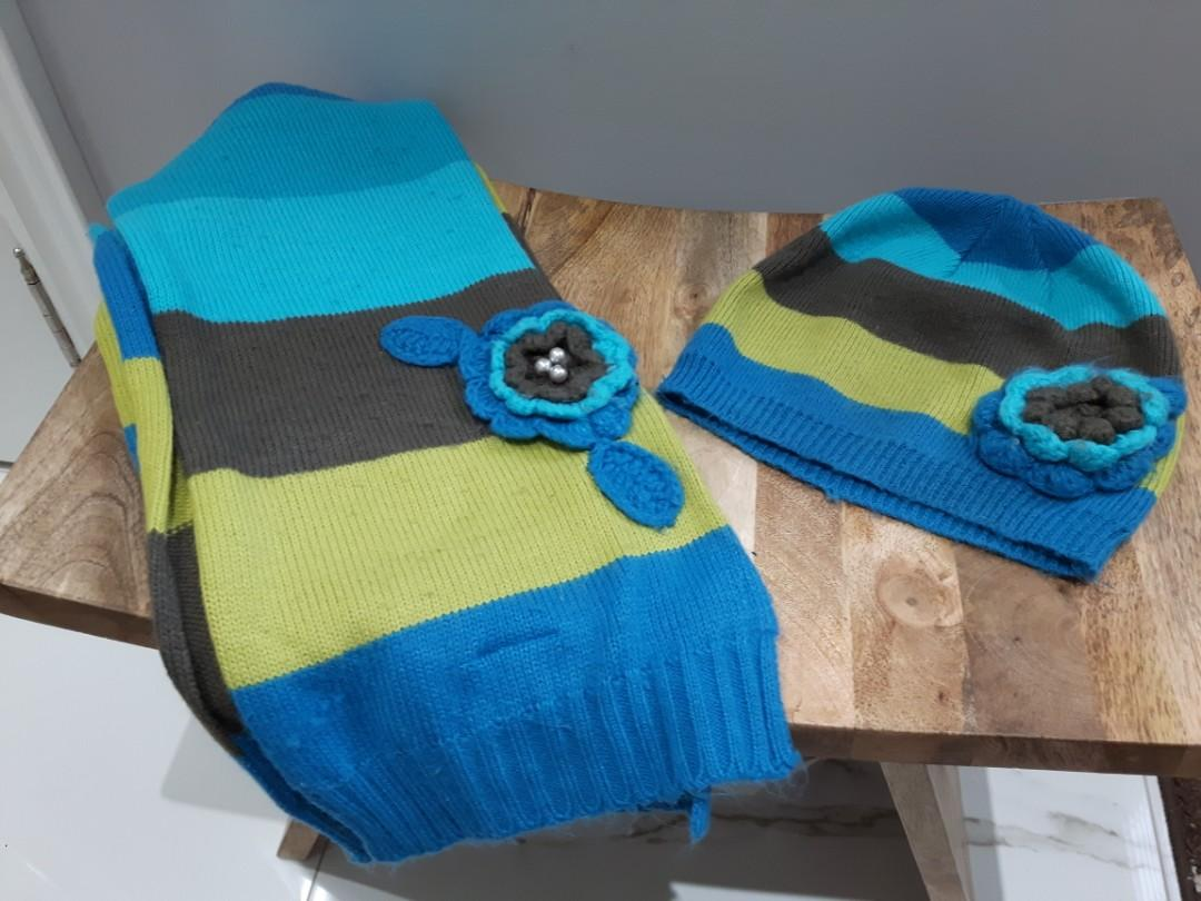 Womens/Girls Fall hat and scarf combo striped colourful