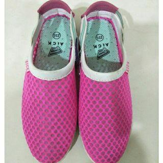 (全部出清)購入390 轉賣 洞洞鞋 拖鞋✨懶人鞋✨涼鞋 平底 熱賣 ulzzang 韓國 韓款 小姐姐 #五折清衣櫃