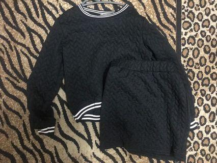 Set Wear : Sweatshirt+ Skirt