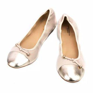 Urban and co pink flat