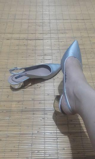 Charles & keith shoes silver