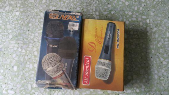 Wire microphones  two pieces