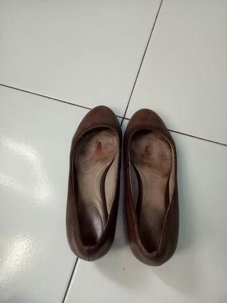 Sepatu pentopel ori rockport