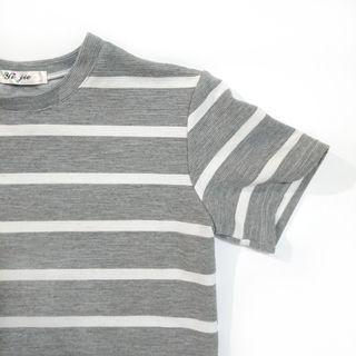 二手 女生 短袖 上衣 T恤 條紋 灰 白 羅紋 穿搭 網美 短袖T恤 shirt 二手上衣 二手T恤
