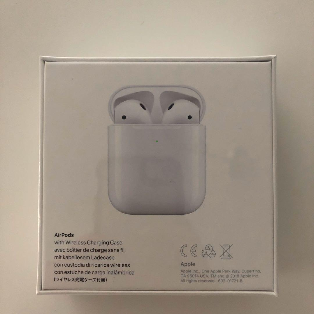 Apple Airpods with Wireless Charing Case (2nd Generation)