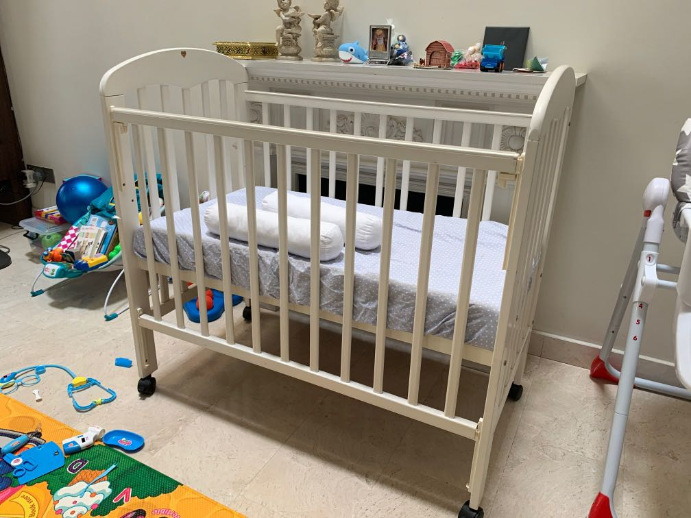Baby crib (cot) for sale