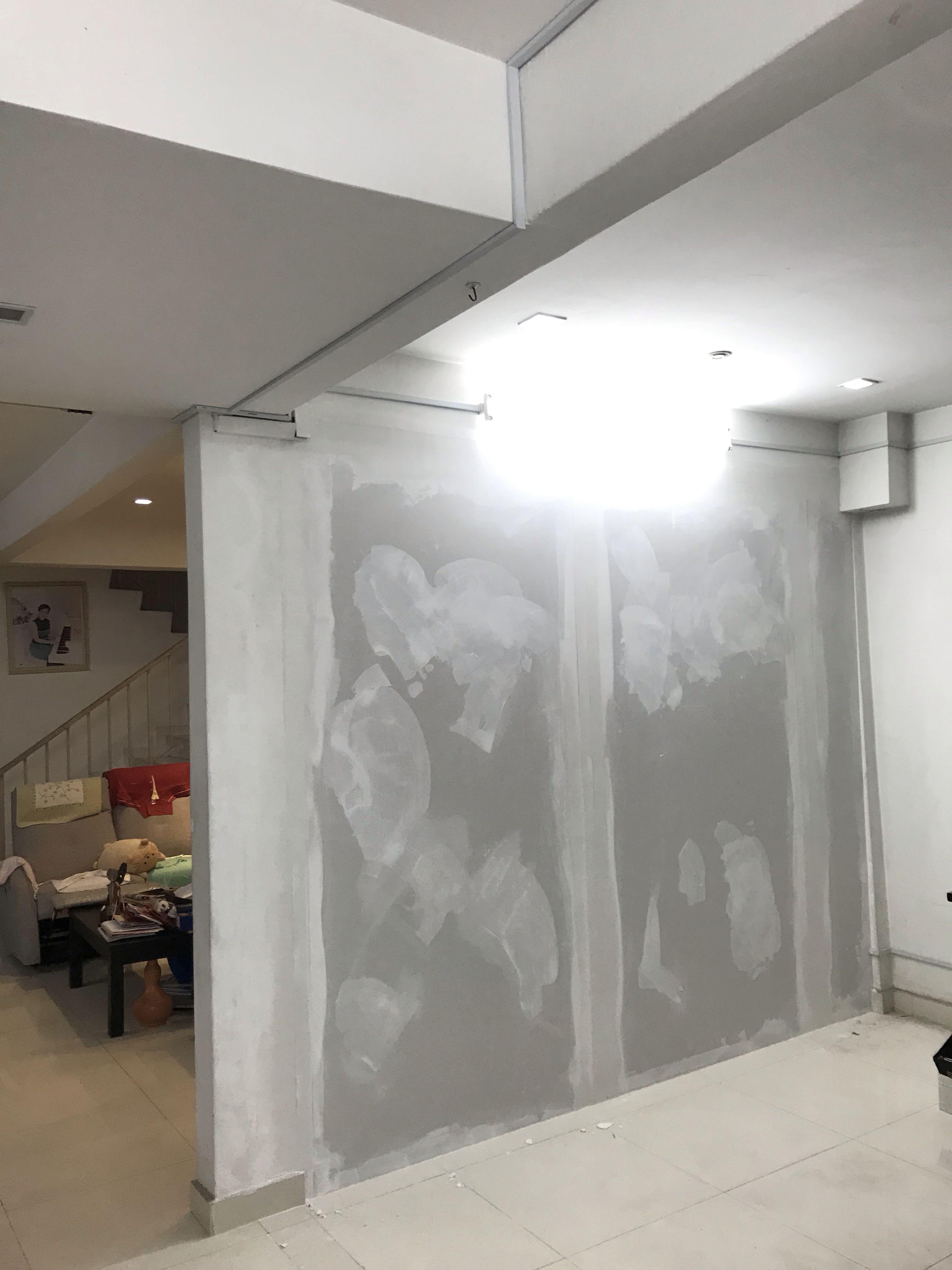 Dinding Partition Plaster dan Cat Rumah Kedai