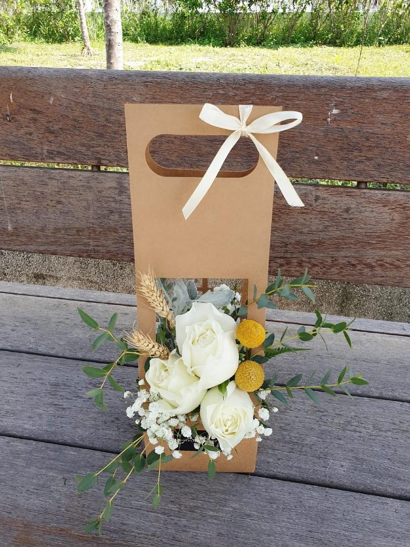 (FB06) White Roses & Baby's Breath Floral Box