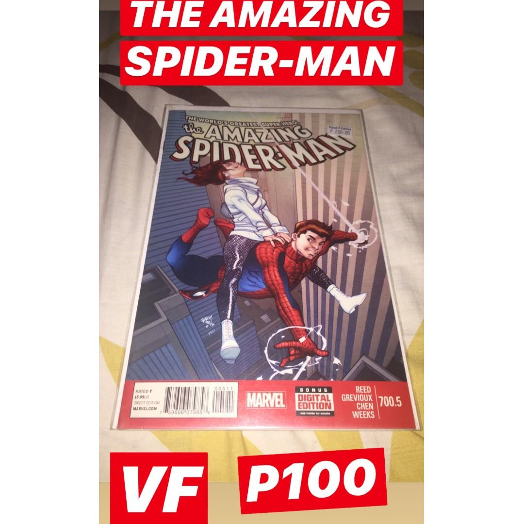 MARVEL Comics (Amazing Spider-Man #700.5, Punisher: War Journal #1, Superior Spider-Man Team-Up Set, Official Index to the Marvel Universe)