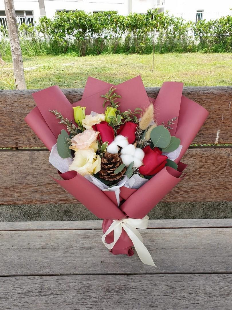 (R23) Rosso - Roses Bouquet