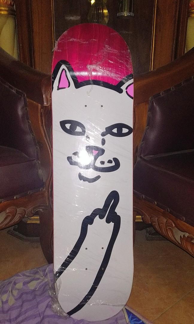 RipnDip papan skateboard, pajangan