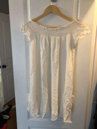 Aritzia Talula dress- white size xs, worn only a couple of times on vacation