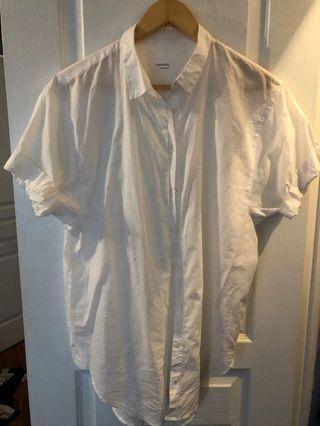 White Aritzia shirt sleeve, never worn