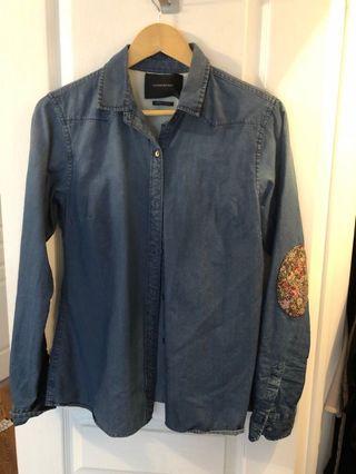 Madison scotch jean button down shirt size S