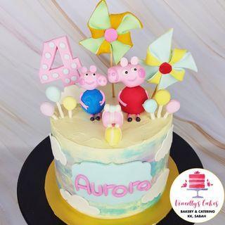Peppa Pig theme cake!
