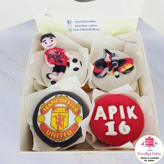 Motorbike and football theme cupcakes~